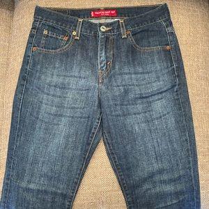 EUC Levi's 515 low rise Boot Cut Jeans Size 6.